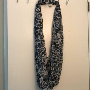 Gorgeous navy loft infinity scarf pristine